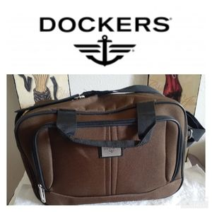 Dockers travel bag.